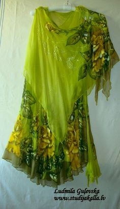 Natural silk dress - handmade artwork ,silk painting, natural silk handwork, lime green f Kurti Embroidery Design, Batik Fashion, Hippy Chic, Fantasy Gowns, Boho Boutique, Green Floral Dress, Silk Art, Indian Designer Outfits, Fabric Painting