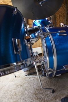 """My new toy: Maxwin drum set from 1966/67 with  """"blue hairline"""" finish. Restored it myself."""