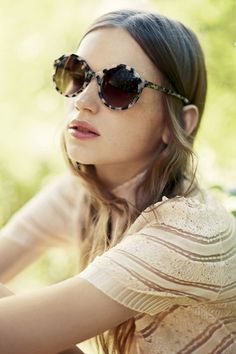 Love these sunglasses Lunettes Noires, Fringues, Spectacle, Haute Couture,  Lunettes Ray Ban 224a395a1fe4