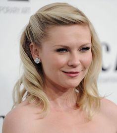 Boom. Found it! I think this will be easy to do. Kirsten Dunst has very similar hair to mine..similar length too. Hopefully I can do this.