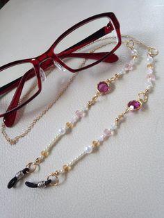 メガネチェーン Imitation Jewelry, Diy Earrings, Jewelry Trends, Fashion Necklace, Sunglasses Accessories, Beaded Jewelry, Lanyards, Bracelets, Ear Rings