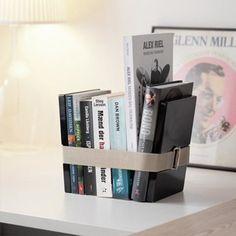 De Menu Bookbinder boekenstandaard zwart small houdt je boeken omhelzend bij elkaar.