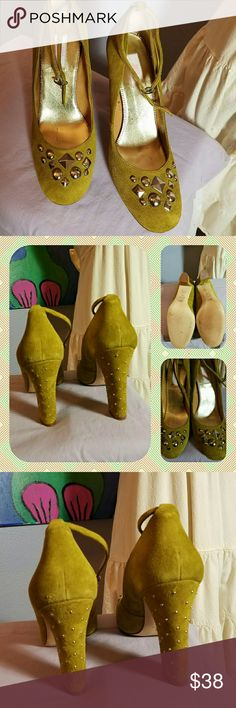 Jennifer Lopez suede heels These lovely green suede heels with lots of detail are gorgeous!!! A thick comfortable heel, optional ankle straps, lots of studs on the heel and wide toe box. Worn 1x on carpet! Check out how clean the soles are, the heels aren't even marred!   They're a classic, vintage, pin up style!   EUC!!! Like new xx Jennifer Lopez Shoes Heels