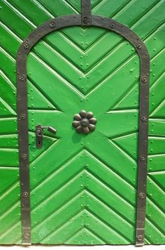 Where does this green door lead to? #Budapest, #Hungary. #100cities | Knok