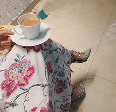 Image shared by Find images and videos about coffee, chanel and instadaily on We Heart It - the app to get lost in what you love. Modern Hijab Fashion, Arab Fashion, Cute Girl Photo, Girl Photo Poses, Whatsapp Dp, Cute Braces, Arab Swag, Mode Abaya, Bollywood Outfits