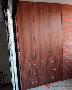 Muebles a la medida y funcionales Cali, Colombia 🇨🇴 ⠀ #gabinetes #mobiliario #mobiliariohogar #mobiliariocali #mueblescali #mueblesdemadera #hogarmoderno #mueblesfuncionales #carpinteriacali Cali Colombia, Armoire, Furniture, Home Decor, Instagram, Wood Furniture, Home Furniture, Shelving Brackets, Desks