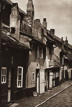 Karel Plicka shot fine monochrome photographs of Prague from the and documented a dark and mysterious Prague, a gothic and baroque Praha which. Prague Photography, Prague Czech Republic, Famous Photographers, Photomontage, Old Pictures, Black And White Photography, Old World, Baroque, Monochrome