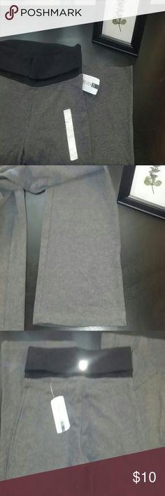 Gray Wide Leg Yoga Pants Size Small. Gray Forever 21 yoga pants w/ wide leg. New with tags. Forever 21 Pants Wide Leg