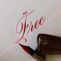 May I ask how to project a straight line with light on paper to write in alignment? Calligraphy Lessons, Calligraphy Video, Calligraphy Tutorial, Copperplate Calligraphy, Calligraphy Drawing, Calligraphy Signs, Hand Lettering Tutorial, Calligraphy Handwriting, Learn Calligraphy