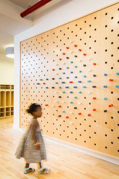 Kindergarten Interior, Kindergarten Design, Boutique Interior, Colegio Ideas, Interactive Walls, Kids Play Area, Classroom Design, Learning Spaces, Design Studio