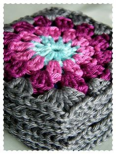 Annie's Place - Gorgeous Granny! Love these Colors.....Something about a grey trimmed granny!!! ༺✿Teresa Restegui http://www.pinterest.com/teretegui/✿༻