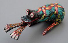 Artesanía mexicana de reciente reconocimiento inventada por Pedro Linares Lopezen 1936en Mexico D.F, hecha de diferentes tipos de papel y pintada con colores alegres y vibrantes. Generalmente r…