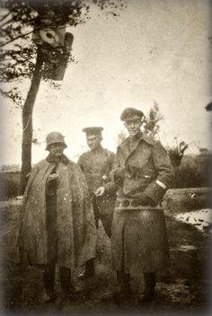 WWI, 1917, Messines; Souvenir hunting German officers