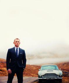 @Jamie Davis - you are Soooo not a Bond