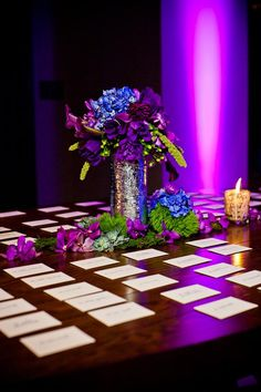 Pretty place card display