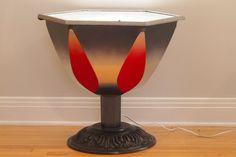 Projet Recréat :: Table tulipe, de l'éclairage halogène inclus.