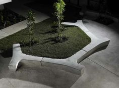 bench   love this....I wonder if it woud b a good solution for a tiered back yard...
