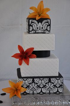 Black & White Damask & Quilted Wedding Cake makes a bold statement
