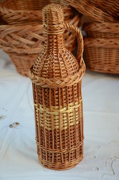 Wicker Demijohn Bottle, 1 liter Wicker Wrapped Bottle, Willow Demijohn Bottle, Willow Wrapped Glass Bottle, Wicker Decor