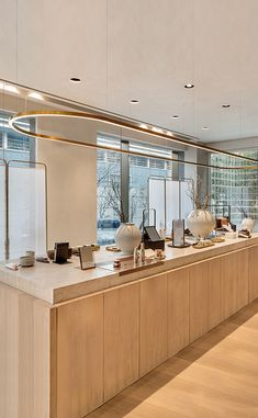 The Sulwhasoo Flagship Store is a signature space that gathers the essence of Asian beauty. Spa Interior, Retail Interior, Cafe Interior, Kitchen Interior, Interior Design, Bakery Design, Cafe Design, Store Design, Cafe Concept