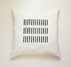 Black White Linen Pillowcase with Minimalist Rustic Stripes - Decorative Linen Cushion Cover - Kissen, Kissenbezug