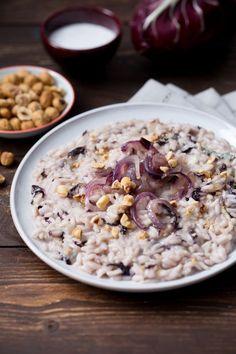 Risotto radicchio e gorgonzola: buono e cremoso. Non so voi ma questo è uno dei nostri comfort food preferiti! Radicchio salad and gorgonzola cheese risotto