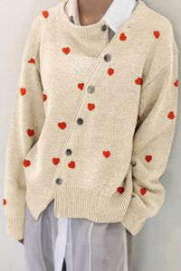 Autumn And Winter Diagonal Buckle Heart Cardigan Jacket Sweater Latest Fashion Design, Love Fashion, Fashion Outfits, Womens Fashion, Fashion Trends, Winter Fashion Casual, Sweater Jacket, Knitwear, Cute Outfits
