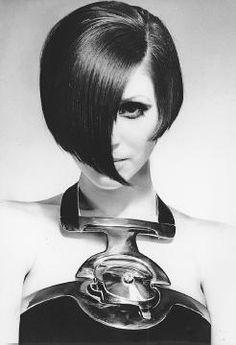Artykuły - Futuryzm lat 60-tych: Courreges, Cardin, Rabanne - Projektanci - Moda.pl