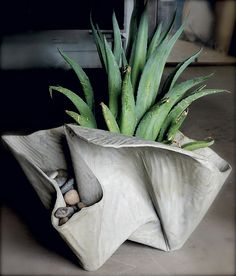 Our magazine article featured 10 unusual concrete creations, out of the ordinary objects made of concrete.