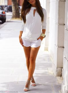 Love this outfit. So classy. A bit longer shorts though.