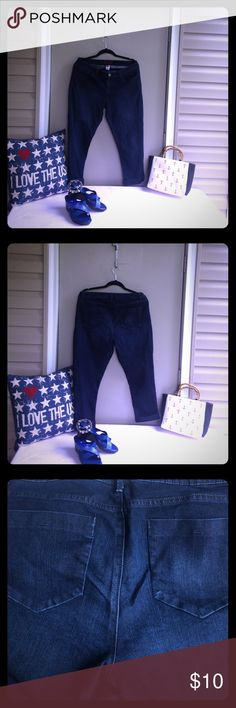 🇺🇸2 for $14 Deal🇺🇸 Denim Daze Capri Jeans 🇺🇸2 for $14 Deal🇺🇸 Denim Daze Elle Capri ink blue cuffed flattering flat back pocket jeans. Comfortable fit with stretch and 34 inch waist and 24 inch inseam. Nice one! Bundle 2 for $14. To get Bundle Deal for 2 different items marked 2 for $14 (original price $10) CLICK ON ✅ BUNDLE  ✅ADD 2 different Items marked 2 for $14. Offer $14 and I'll ACCEPT! Elle Pants Capris