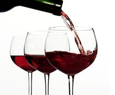 Resveratrol benefits in red wine a 'myth' Best Wine For Sangria, Different Types Of Wine, Red Wine Stains, Red Wine Glasses, Cancer Fighting Foods, Wine Wednesday, Cheap Wine, Cabernet Sauvignon, Wine Drinks