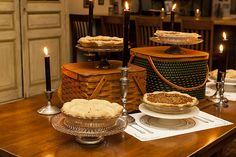 vintage picnic baskets used