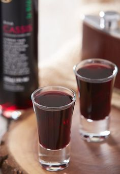 Berry Bomb - Alcoholic shot recipes: Striking party shooters  17ml Cassis, 10ml Cointreau, 7ml Rum layered