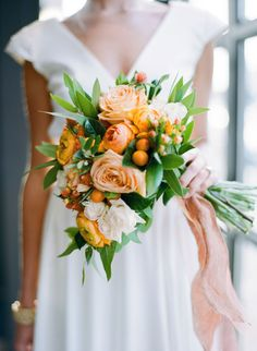 Light orange and white roses for a fall bouquet | Modern Mediterranean Inspiration Shoot at Maketto