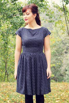 Anna dress by Paunnet, via Flickr