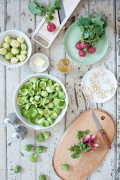 creamy lemon pasta with chicken, asparagus & spinach Raw Food Recipes, Great Recipes, Healthy Recipes, Fruit And Veg, Fruits And Veggies, Vegetables, Food Photography Lighting, Fresco, Jolie Photo
