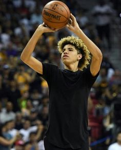 Lamelo Ball Stock Photos and Pictures High School Games, Hair Toupee, Lakers Game, Nba Draft, Cute Boys, Big Boys, Baby Daddy, Powerpuff Girls, Neymar