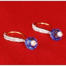 Price : Rs.480.00 American Diamond Earrings Brand: Swarajshop  Buy Online : http://www.shrayathi.com/swarajshop?page=2&product_id=2245 American Diamond Earrings By SwarajshopBy Swarajshop.Indian traditional fashion designer jewellery. Base metal is Alloy and main stone is CZ diamonds. Specially for celebrations. Availability: The product would be shipped within 4 working days. Price includes all type of taxes. Swarajshop quality commitment: Original design; genuine material.
