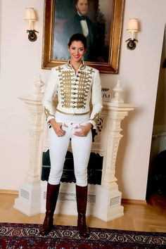 Hungarian Embroidery, White Jeans, How To Wear, Clothes, Beautiful, Beauty, Life, Women, Fashion
