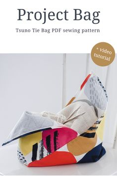 Need a fun project for those left over bits 1 yard and 1/2 yard fabric in your stash? Fabrics you love and can't bear to part with, but just don't know what to make? The Tsuno Tie Bag pattern + spreadsheet will get you sewing and destashing in no time. Perfect for the beginner or those that want to jump back into sewing. Don't worry about messing up and wasting a bunch of expensive fabrics, you can use quilting cotton or upcycle old bedding. Sew along using the video tutorial Bag Patterns To Sew, Pdf Sewing Patterns, Knitting Projects, Sewing Projects, Stash Fabrics, Fabric Scissors, Produce Bags, Simple Bags, Bag Storage