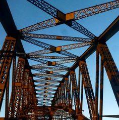 Never ending #sydneyharbourbridge #sydney #bridge #geometry #geometric #linealines #linea #straightlines #contrast #bluesky by bexterella http://ift.tt/1NRMbNv