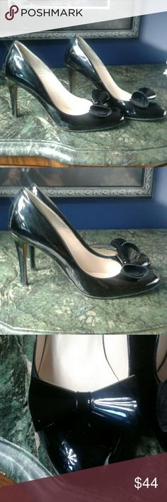 LK Bennett patent leather bow pumps 40 In excellent condition overall but there is some wear on the bottom of the heels patent leather pumps the heel is 4 inch LK Bennett Shoes Heels