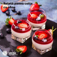 5 deserturi rapide si sanatoase pentru copii Strawberry Panna Cotta, Berry Coulis, Dessert Shots, Everyday Food, Trifle, Desert Recipes, Food And Drink, Cooking Recipes, Favorite Recipes