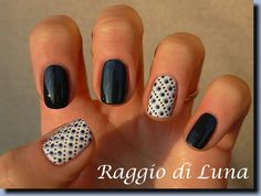 Raggio di Luna Nails, 2/9/13: Dots don't be blue