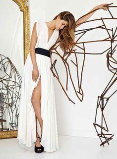 Carla Zampatti white dress with Anna Wili-Highfield horse sculpture. A perfect combination.
