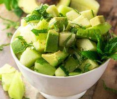 Salat mit Gurken, Melonen und Avocados (Paleo & Vegan) - Recipes to Cook Avocado Recipes, Healthy Salad Recipes, Veggie Recipes, Paleo Recipes, Healthy Snacks, Healthy Eating, Cooking Recipes, Easy Recipes, Salad Bar