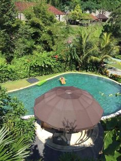The time had stopped , The larger pool had awesome tropical view