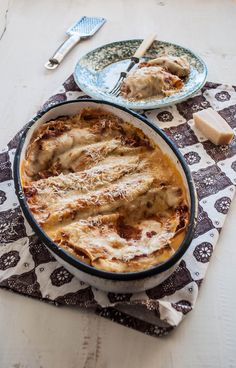 Bolognese Gratin (recipe originally in portuguese but I translated it to english and it seemed understandable.... and delicious!!!)