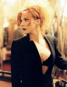See Mylène Farmer pictures, photo shoots, and listen online to the latest music. Beautiful Friend, Beautiful Redhead, Beautiful Women, French Pop Music, Divas, Women In Music, Celebs, Celebrities, Instagram Models